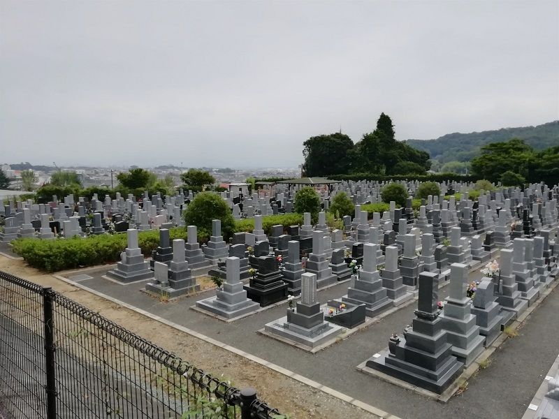 御油第二墓園の左側からみた風景