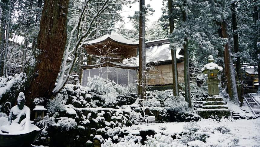 曹洞宗本山の永平寺の雪景色
