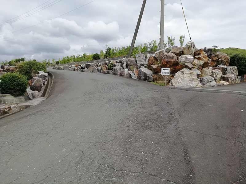 金沢霊園の道路