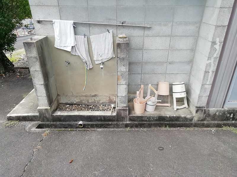 金沢墓園の水場