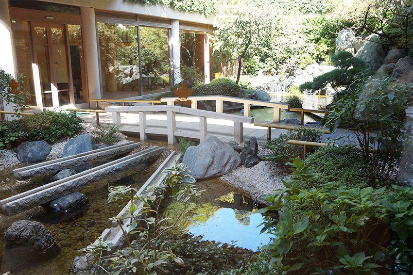常在寺の趣ある日本庭園