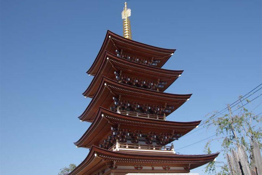 世田谷やすらぎ墓苑の遺骨が合祀される「五重塔」の外観