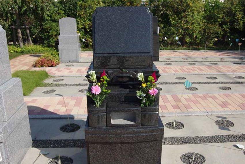 世田谷やすらぎ墓苑の一般墓所0.49㎡墓石建立例