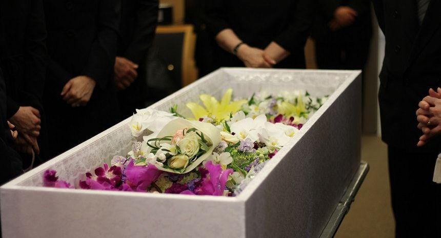 人気を集める家族葬!選ばれている3つの理由とメリット・デメリット