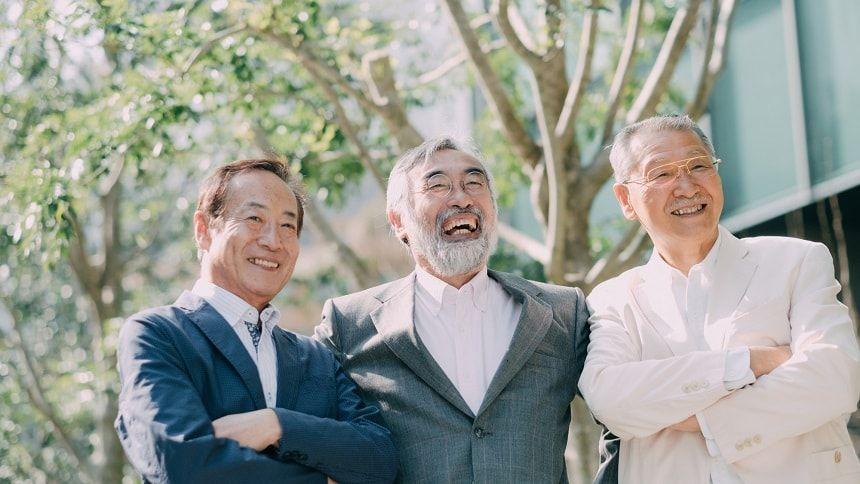 仲良しの老人男性3人