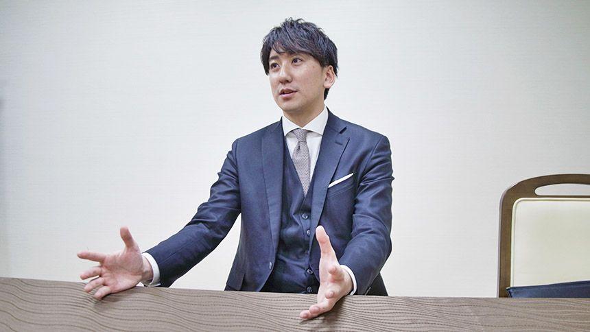 インタビューに応える木村さん