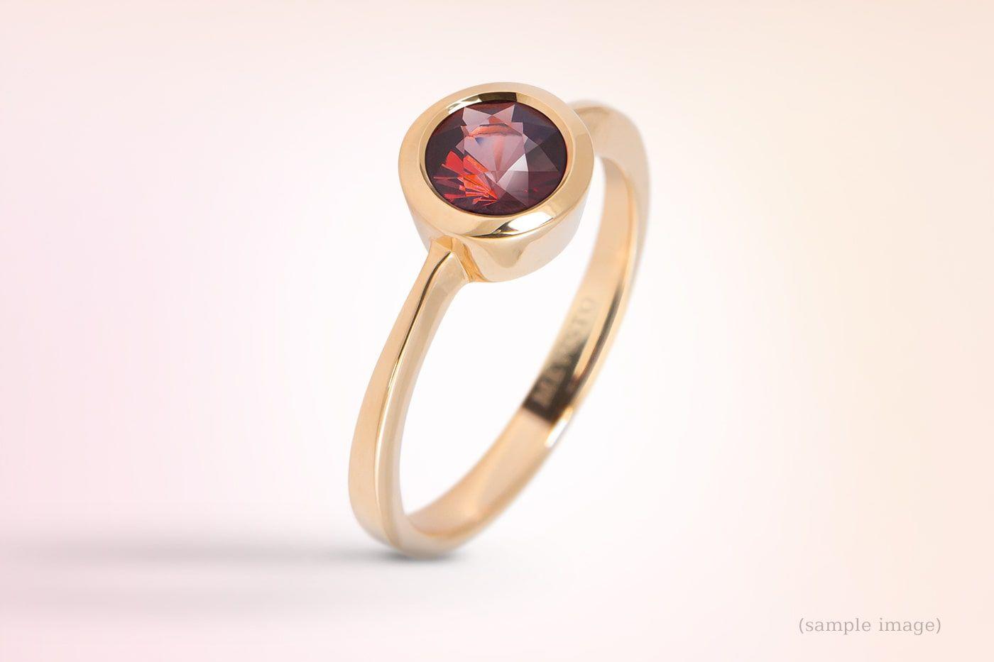 遺骨ルビーの指輪