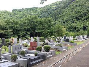 奥多摩霊園に建立されているお墓
