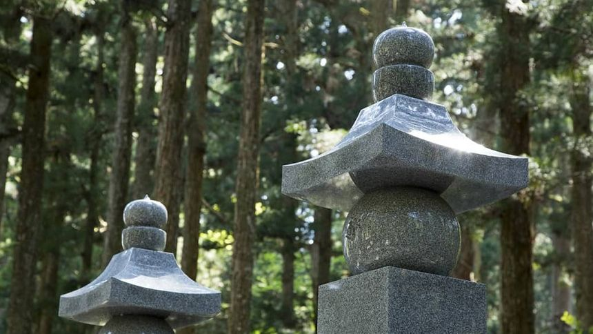 共同墓地の費用は?安いのが特徴、共同墓地のメリットとデメリット