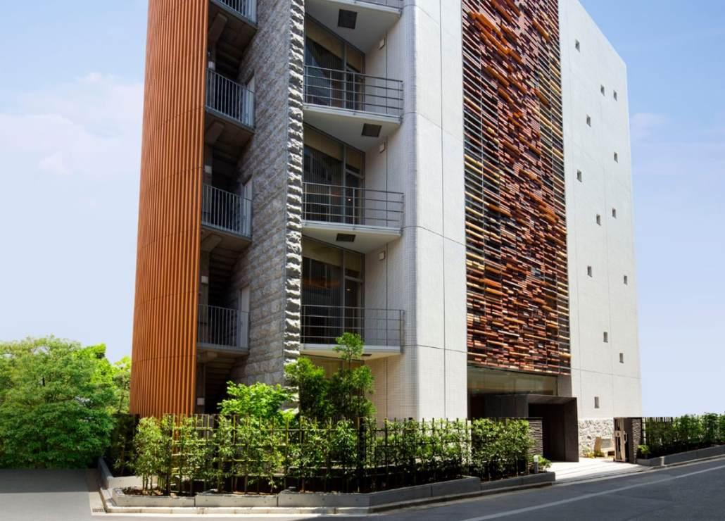新宿御苑前聖陵の個性的でデザイン性のある外観