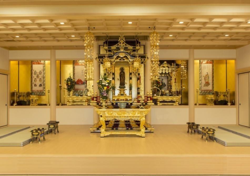 東京御廟のきらびやかなご本尊