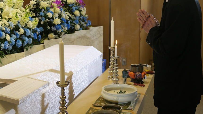 葬式のときに行う挨拶~遺族側・参列者側で解説~