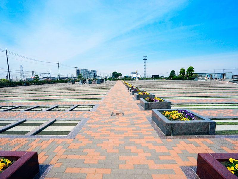 駅前霊園美南の園内通路イメージ