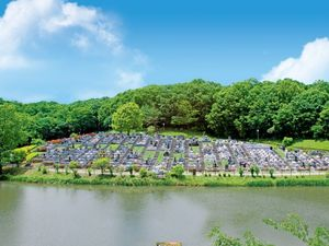 森林湖畔霊苑 湖を望む墓域