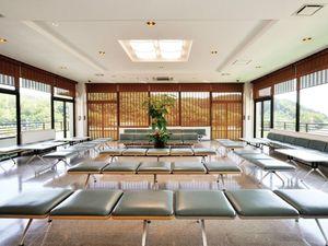 西多摩霊園の本館内にある休憩スペース