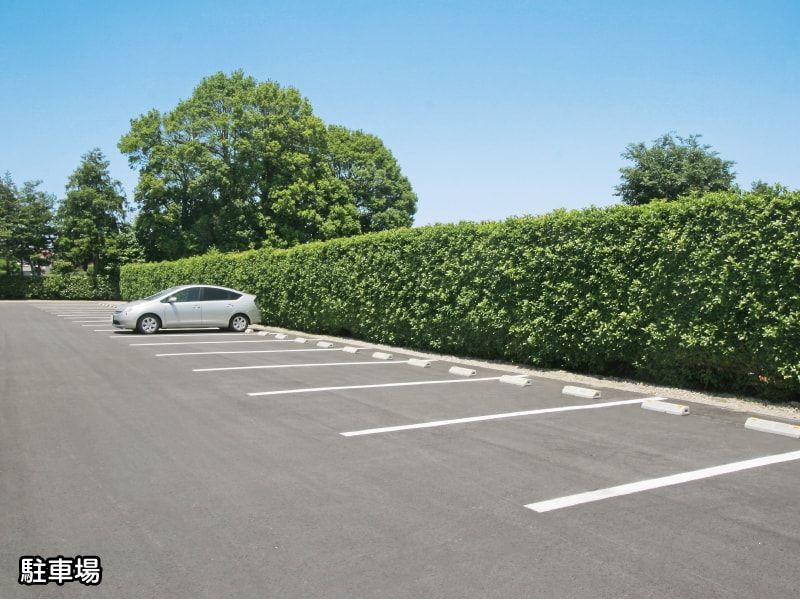 浄安寺墓苑の駐車場