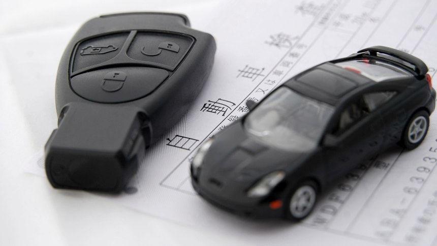 故人名義の自動車を相続する手続きについて紹介