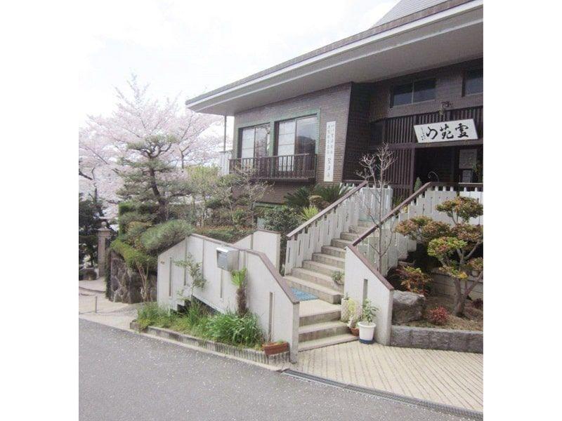 大阪枚方霊苑内施設の聖法寺