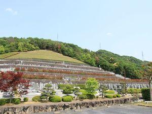 宇治霊園の駐車場とお墓区域