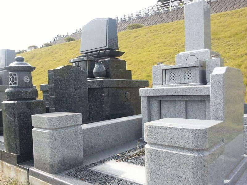 二見ヶ浦公園聖地の墓石