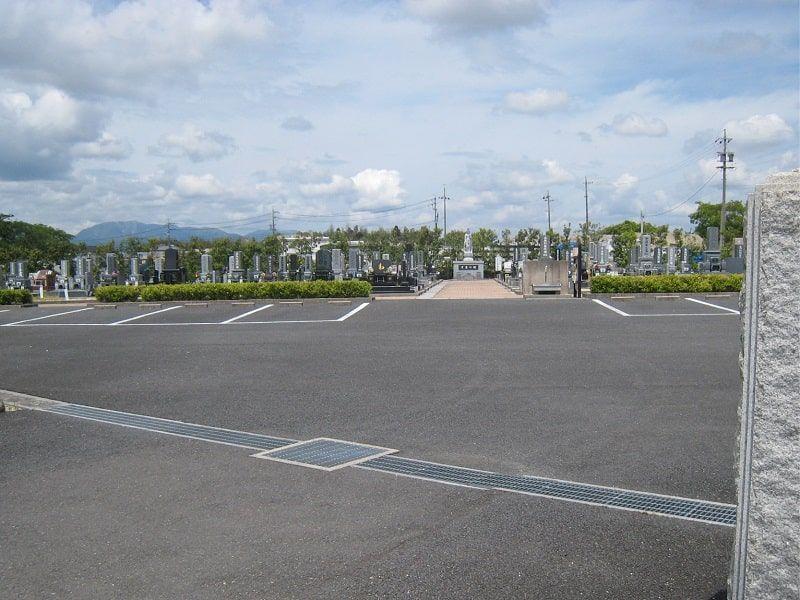 三滝川メモリアルパークの駐車場