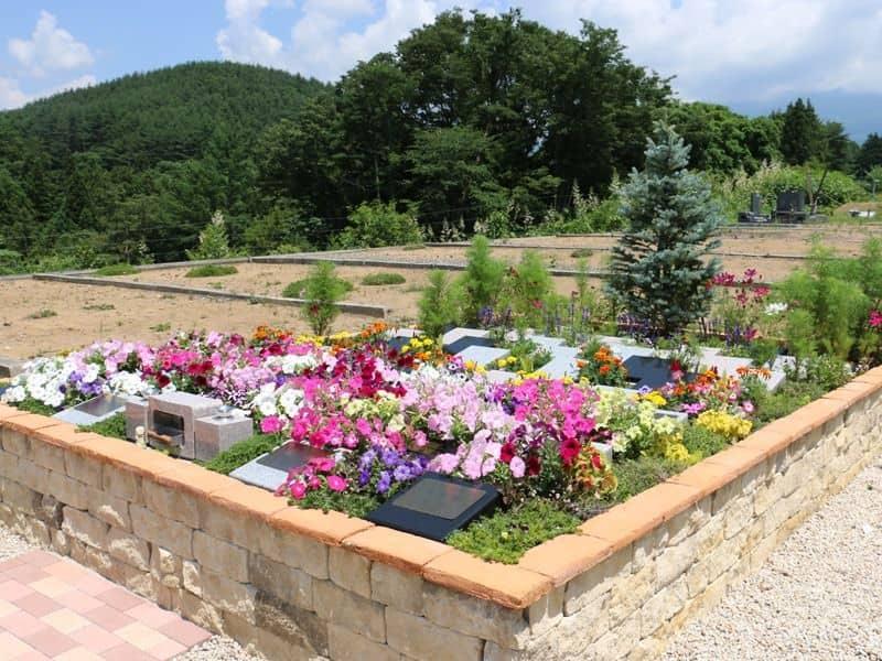 岩窪墓苑ガーデニング型樹木葬「フラワージュ」