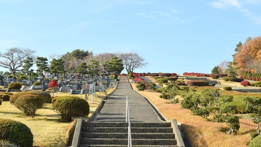 大階段がある霊園