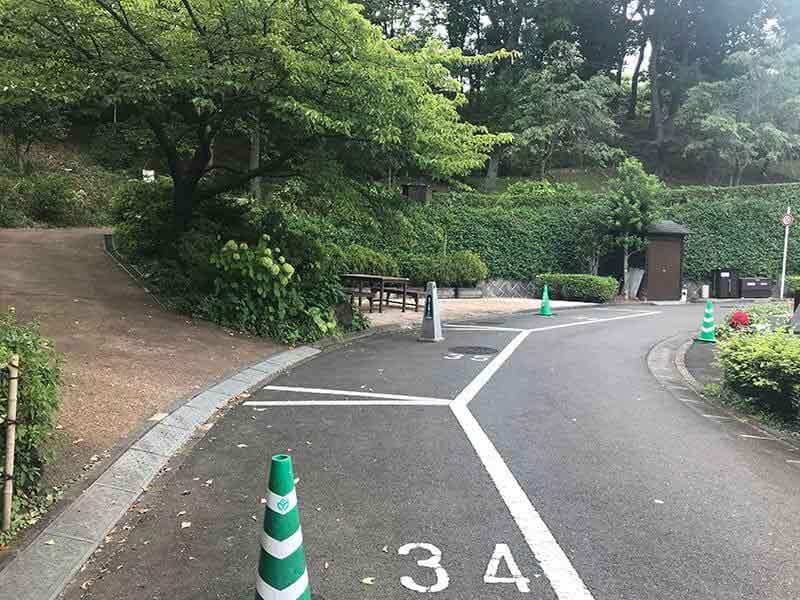 町田いずみ浄苑フォレストパーク園内道路
