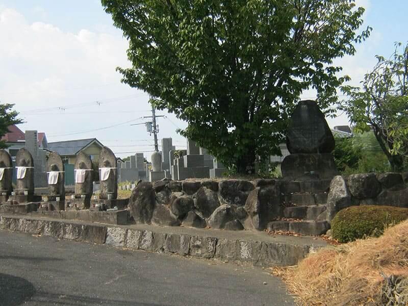 七条町南山墓地の地蔵