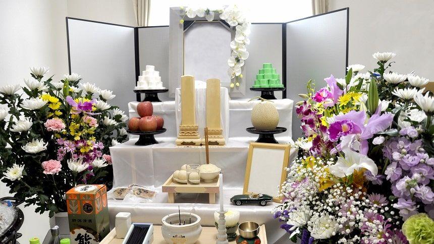 自宅葬の祭壇