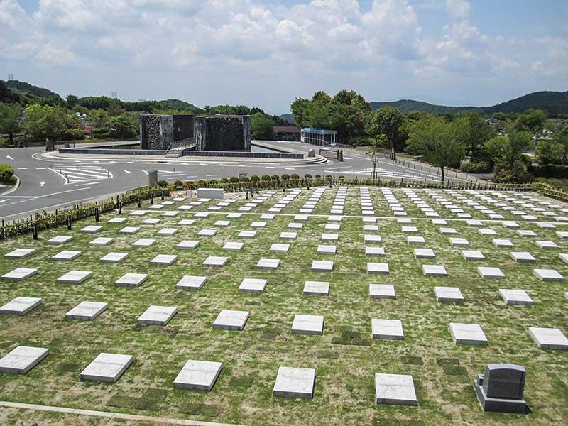 大阪北摂霊園の円形交差点