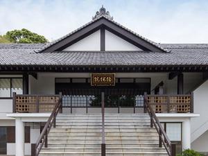 福岡徳純院の本堂外